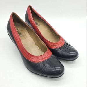 Fly London Two Tones Leather Pumps